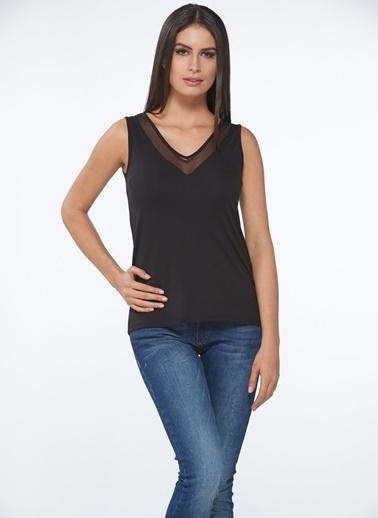 Sevim Modal Kadın V Yaka T-Shirt Siyah